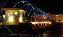 queen-emma-bridge