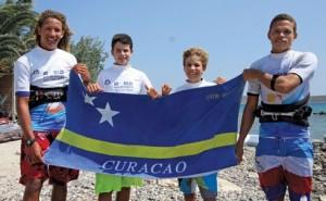 Curacao-Team-with-flag
