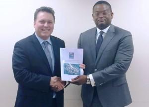 Minister Jardim & presidente di IBA Arthur Adams mei 2014