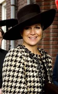 queen-maxima_coats_oscar-de-la-renta--w=1440_q=40 (2)