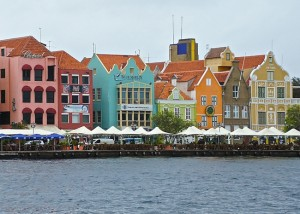 The Curaçao canal houses. (Photo credit: Ed Wetschler.)