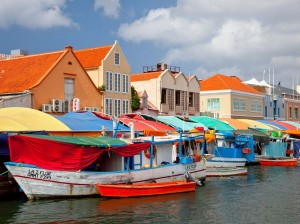 curacao-floating-market-cr-alamy