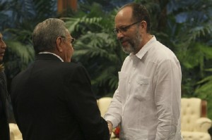 SG-and-Raul-Castro