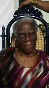 Mai Regina Brigitha ku a kumpli 100 anja