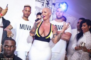 Amber-Rose-Curacao-1