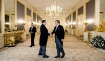 Koning beëdigt gouverneur Aruba (POOL)