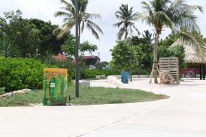 L-Kolegio Chaya Willems a pinta barínan área di rekreashon Marie Pampoen3