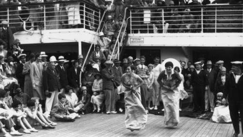 HAL-cruiseship-Duchess-of-Richmond-sackrace-Getty