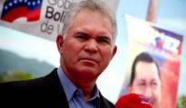 Carlos-Mata-Figueroa-Consul-Venezuela-op-Aruba