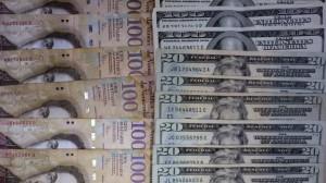 money-dollars-bolivars-Venezuela